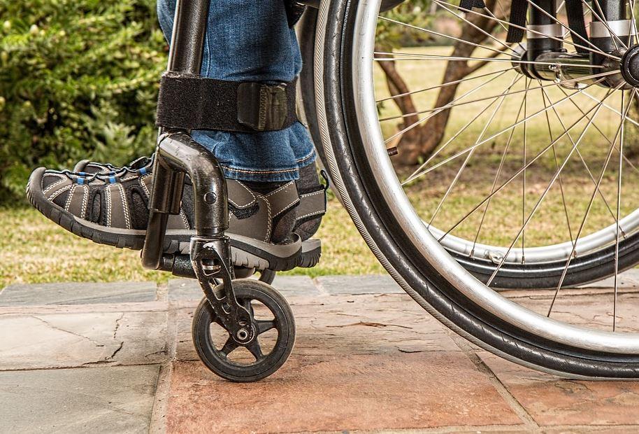 Behindertenaufzug