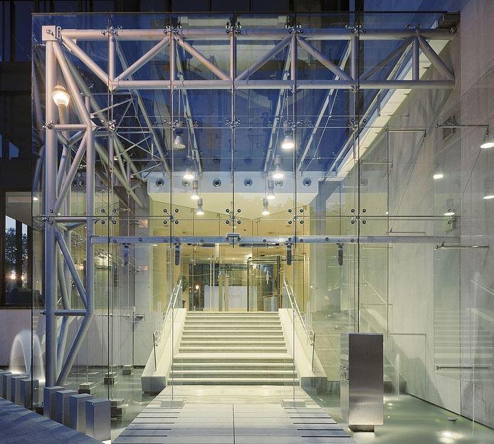 Das hochwertige Hauseingang Vordach/Überdachung aus Glas